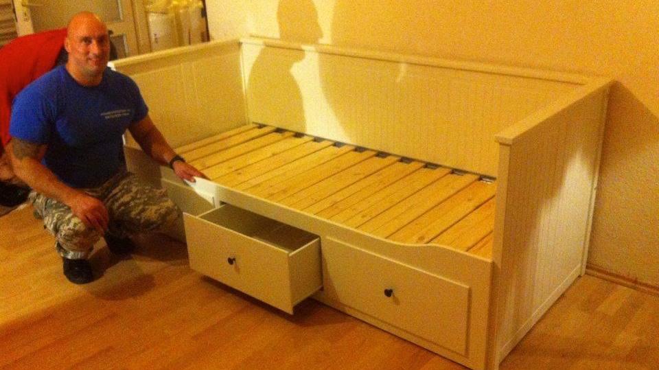 bútor összeszerelés
